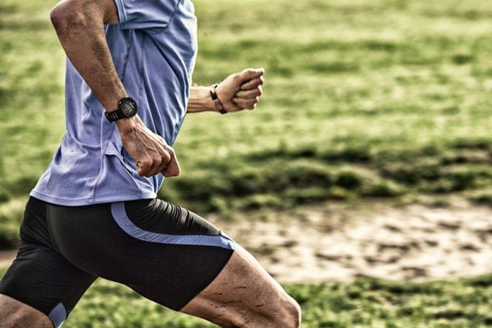 Løper med pulsklokke