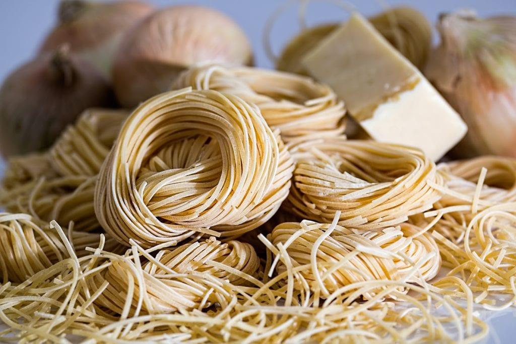I tillegg til kornprodukter som brød og annen gjærbakst bør pasta og produkter laget av durumhvete unngås.