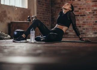 trene til utmattelse