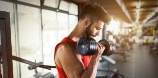 biceps curl sterkere skuldre